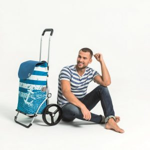 Man with Royal shopping trolley and Meer bag